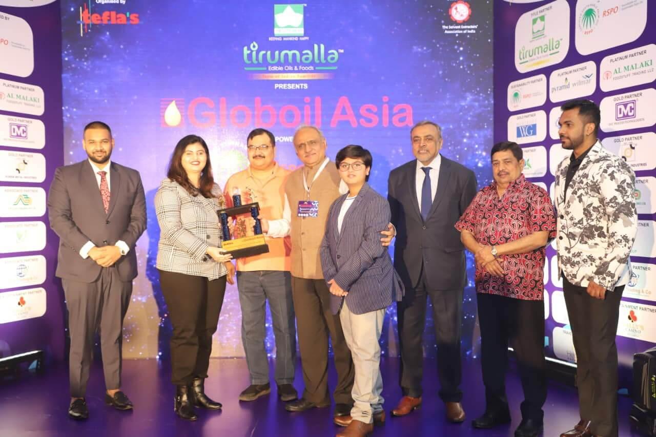 Globoil Asia Women Entrepreneur Of The Year 2020 award to mrs. archana suresh kute (md-the kute group)